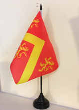 ANGLESEY TABLE FLAG (MEDIUM 22.5cm x 15cm)